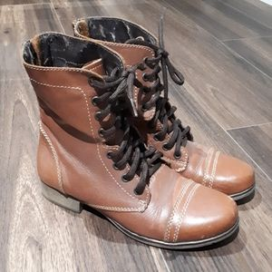 Steve Madden leather lace up boots